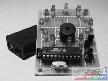 可自动更换量程的数显电流表 ◎ rt9266万用表9v电池代用电路