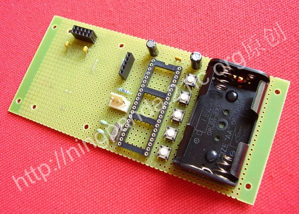 升压电路可以直接利用原手机的背光驱动升压器件